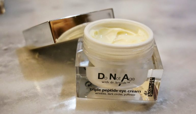 DNA of young skin: neck and cleavage skin cream Do Not Age from Dr. Brandt.