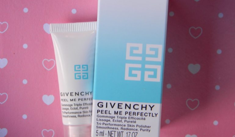 Smoothness, highlighting and purification. Face scrub – Peel Me Perfectly from Givenchy.