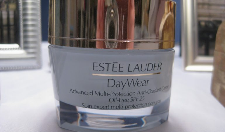 How does Day Wear from Estee Lauder work?