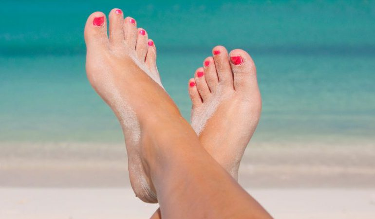 Summer's approaching, take care of the feet! The best methods and quick feet care